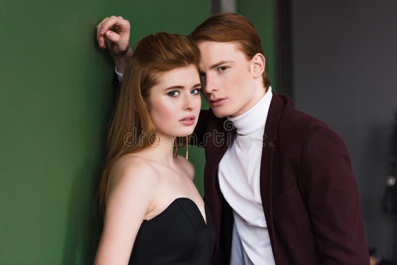 Portret van gekleed mannequinspaar stock fotografie