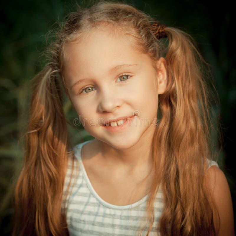 Portret van gelukkig kind royalty-vrije stock fotografie