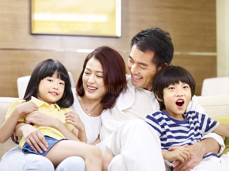 Portret van gelukkige Aziatische familie royalty-vrije stock foto