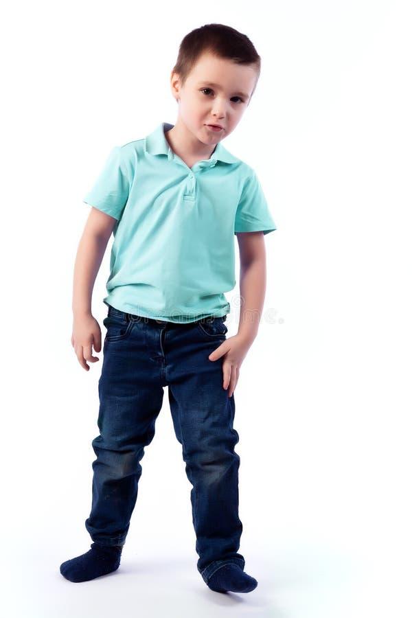 Portret van gelukkige blije mooie jongen stock foto's