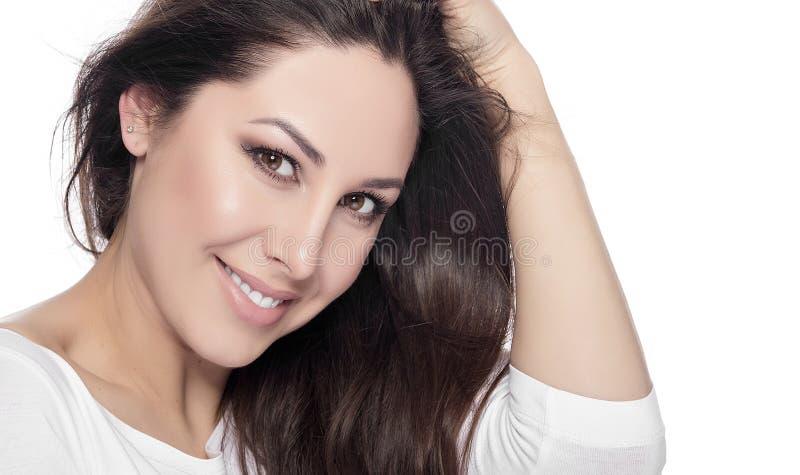 Portret van gelukkige glimlachende mooie jonge vrouw royalty-vrije stock foto