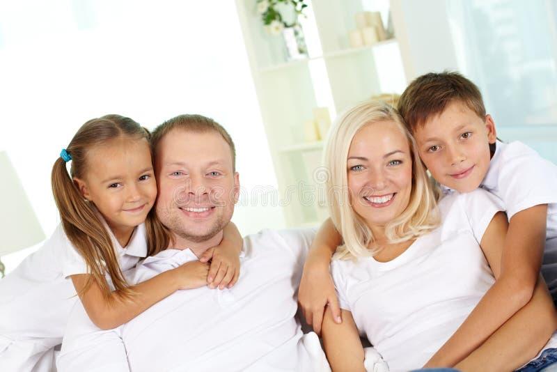 Ouders en jonge geitjes royalty-vrije stock fotografie