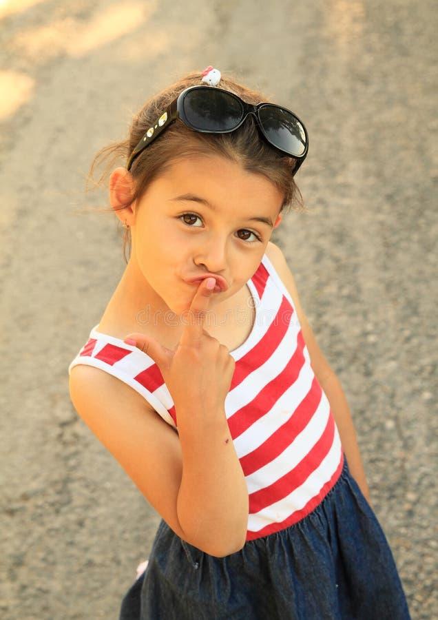 Portret van glimlachend meisje stock afbeelding