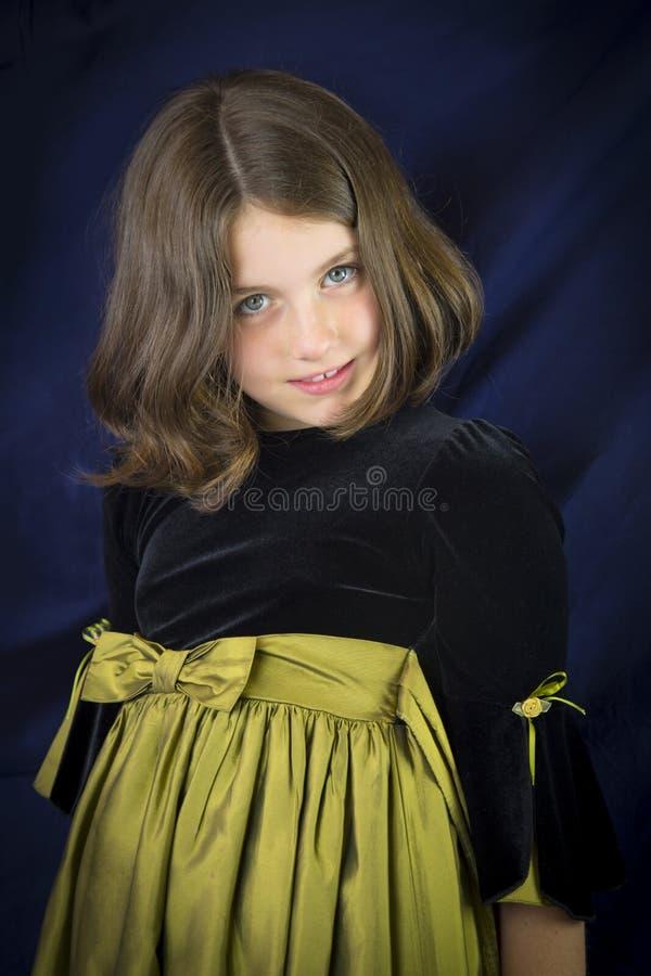 Portret van glimlachend meisje met mooie ogen royalty-vrije stock afbeeldingen