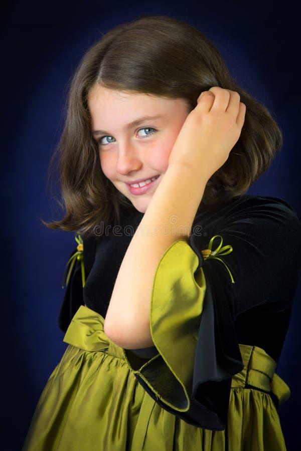 Portret van glimlachend meisje met mooie ogen royalty-vrije stock afbeelding