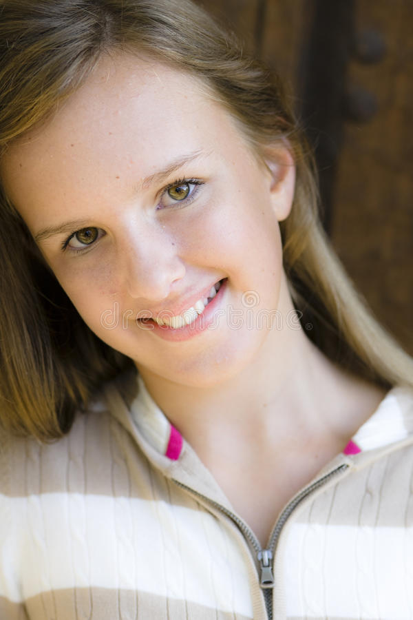 Portret van Glimlachend Tween Meisje royalty-vrije stock fotografie
