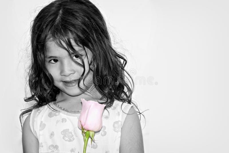 Portret van het aardige Latijns-Amerikaanse meisje royalty-vrije stock afbeeldingen