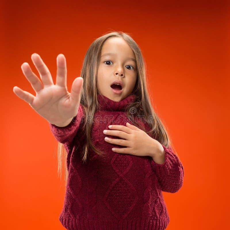Portret van het doen schrikken meisje stock fotografie