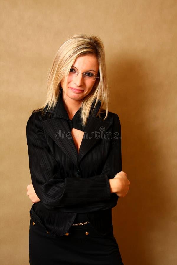 Portret van het elegante meisje glimlachen stock fotografie