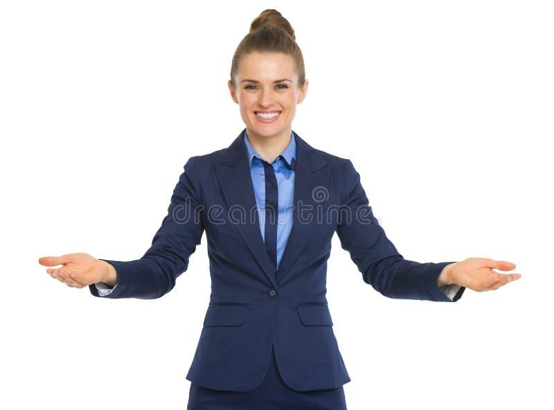 Portret van het gelukkige bedrijfsvrouw welkom heten royalty-vrije stock foto