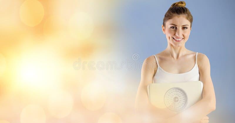 Portret van het geschikte jonge gewicht van de vrouwenholding scape tegen bokehachtergrond royalty-vrije stock afbeelding