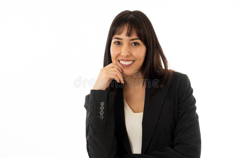 Portret van het jonge mooie en zekere bedrijfsvrouw glimlachen Ge?soleerdj op witte achtergrond royalty-vrije stock foto