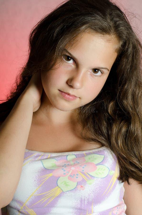 Portret van het jonge mooie meisje stock foto