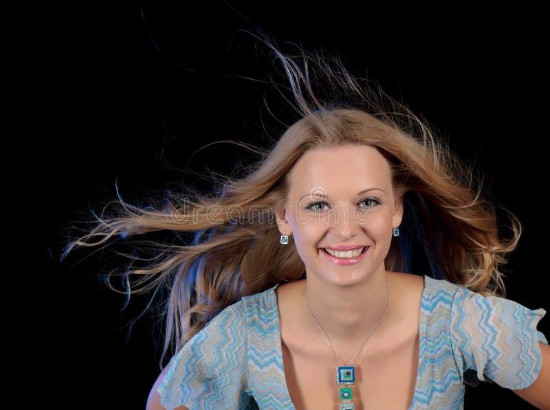 Portret van het jonge mooie meisje tijdens dans royalty-vrije stock foto