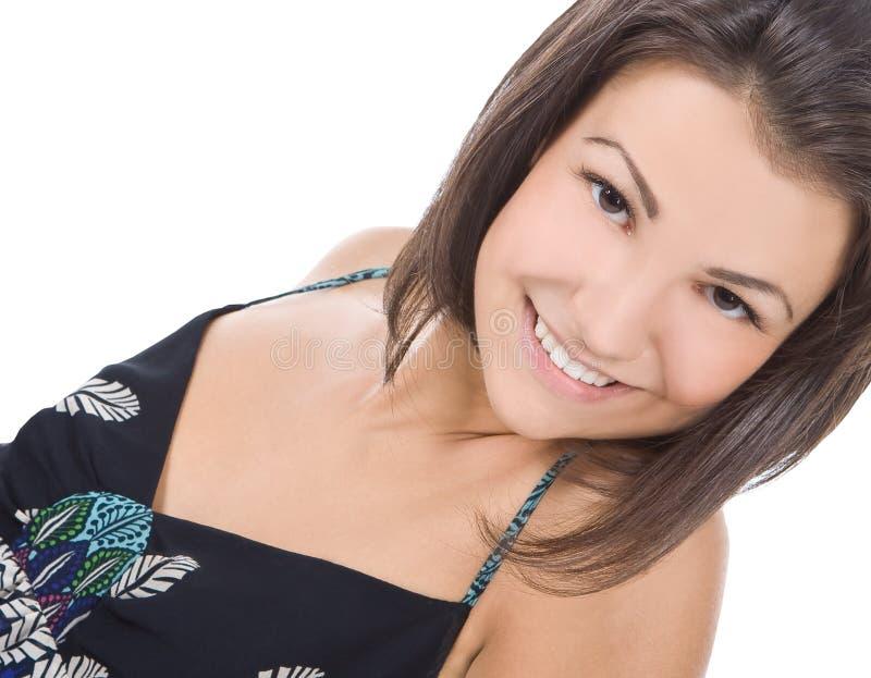 Portret van het mooie donkerbruine vrouw glimlachen stock afbeeldingen