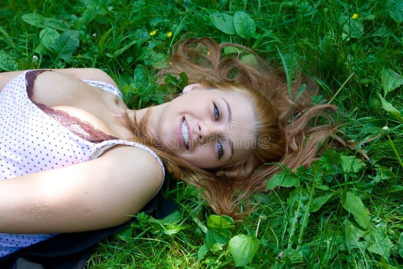 Portret van het mooie jonge meisje stock afbeelding