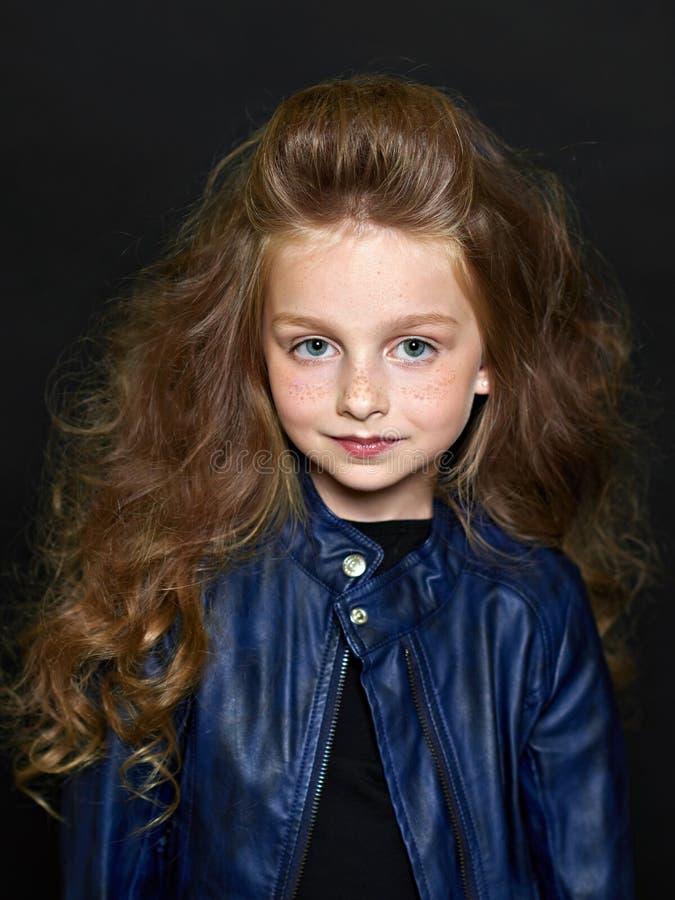 Portret van het mooie kind stock afbeeldingen