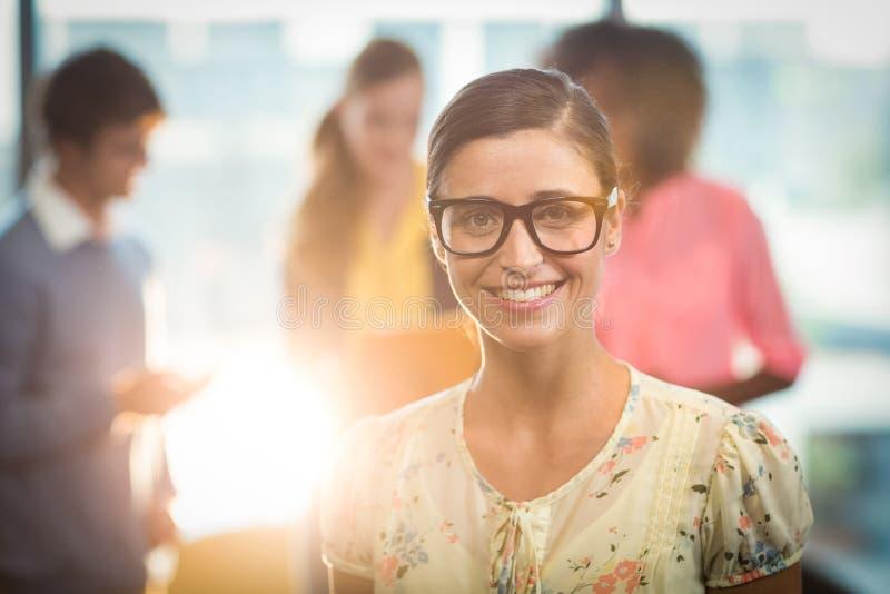 Portret van het mooie vrouw glimlachen stock fotografie