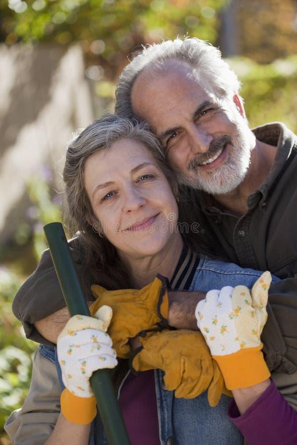 Portret van hoger paar in openlucht royalty-vrije stock foto's