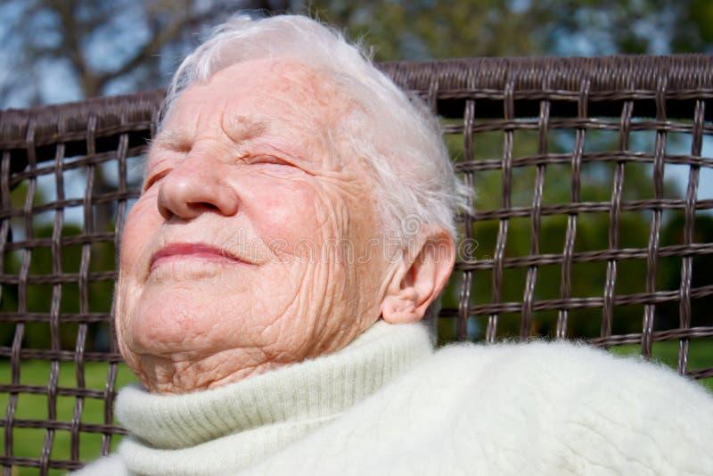 Portret van hogere vrouw stock fotografie