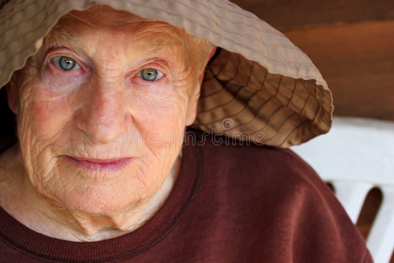 Portret van hogere vrouw royalty-vrije stock foto's