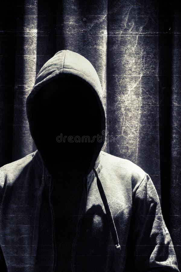 Portret van incognito de mens onder kap royalty-vrije stock foto