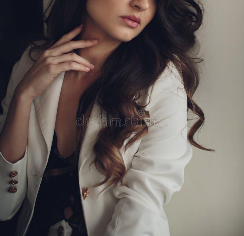 Portret van jong mooi meisje royalty-vrije stock foto