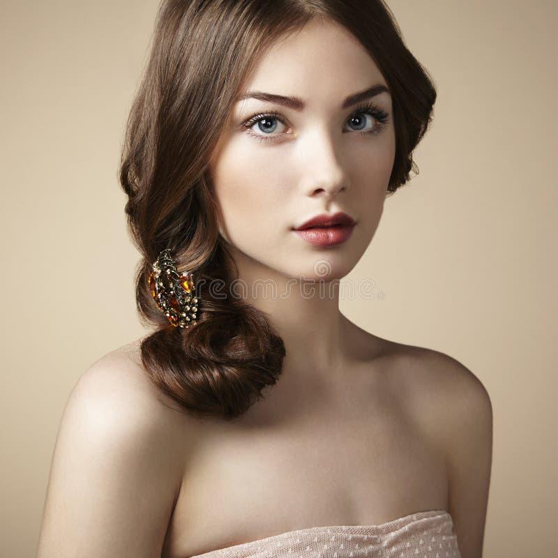 Portret van jong mooi meisje stock fotografie