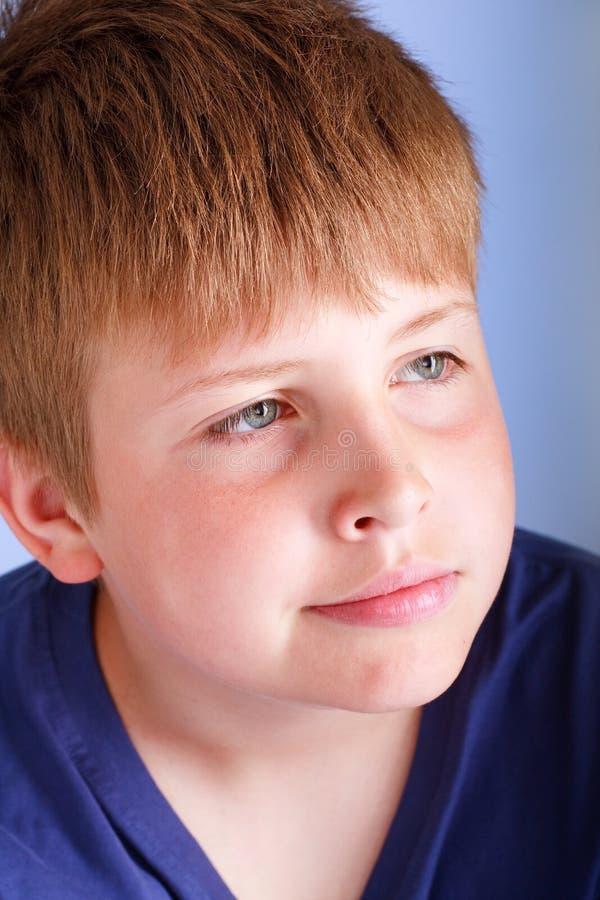 Portret van jonge jongen stock afbeelding