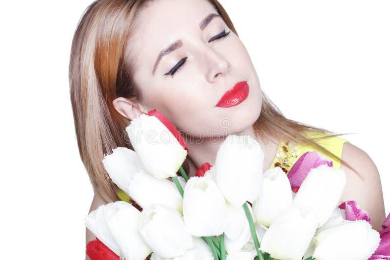 Download Portret Van Jonge Mooie Vrouw Met Bloemen Stock Foto - Afbeelding bestaande uit achtergrond, kleurrijk: 54077582