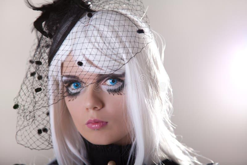 Portret van jonge vrouw met creatieve samenstelling royalty-vrije stock foto