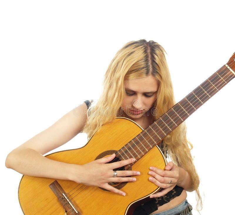 Portret van jonge vrouw met gitaar royalty-vrije stock foto's