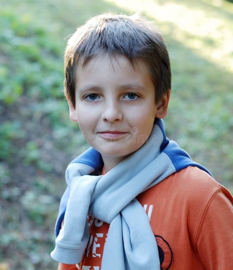 Portret van jongen op de leeftijd van twaalf stock foto's