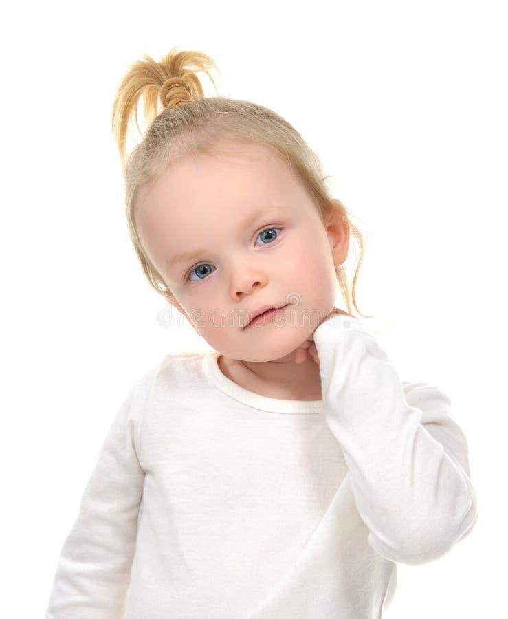 Portret van Kaukasisch blondemeisje met blauwe ogen royalty-vrije stock afbeelding