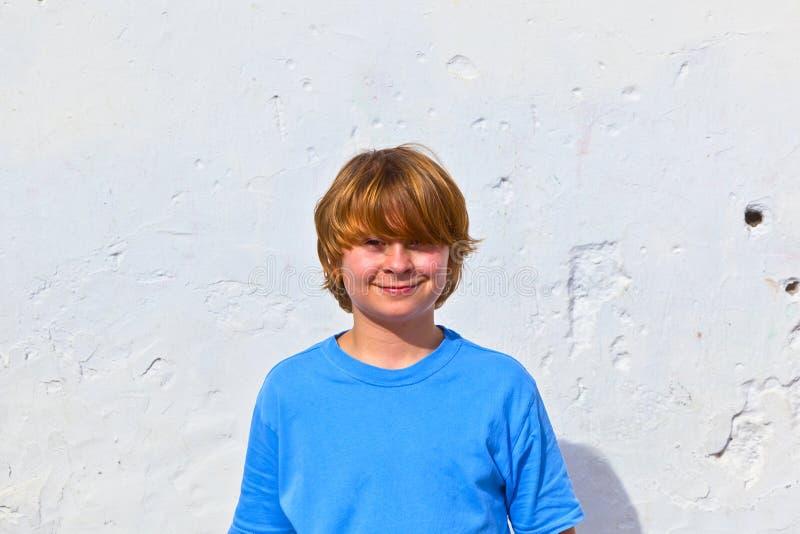 Portret van leuke jonge jongen stock foto