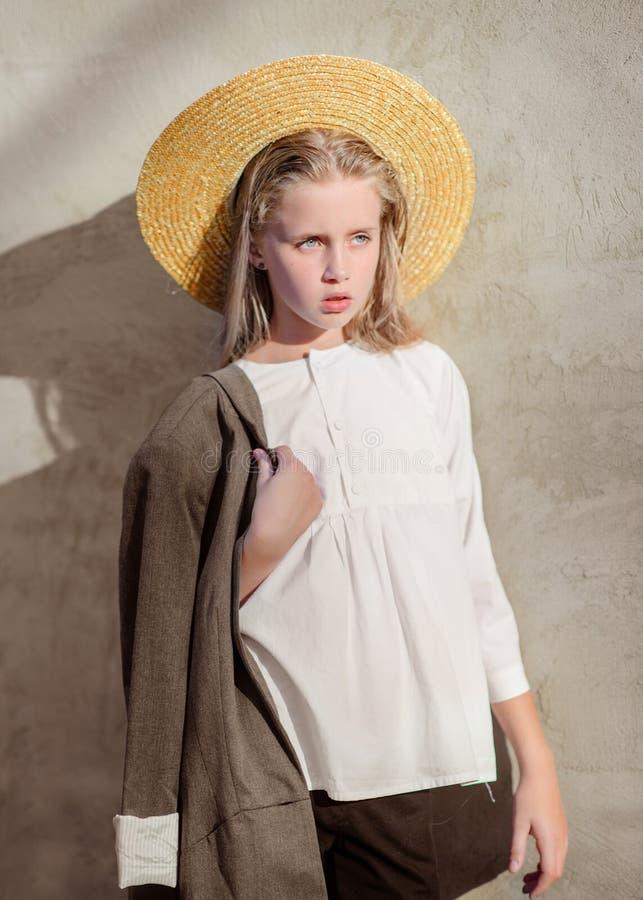 Portret van meisje in openlucht royalty-vrije stock foto