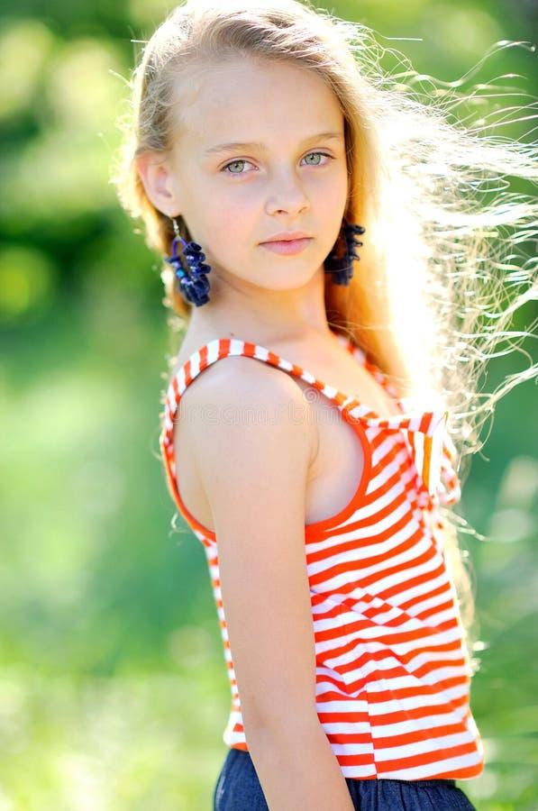 Portret van meisje in openlucht royalty-vrije stock fotografie