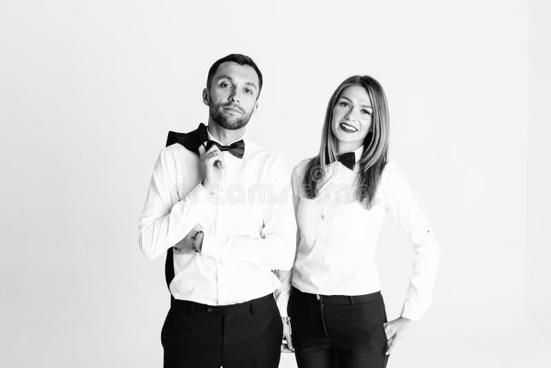 Portret van modieus jong paar, mooie vrouw en de knappe mens, royalty-vrije stock foto's