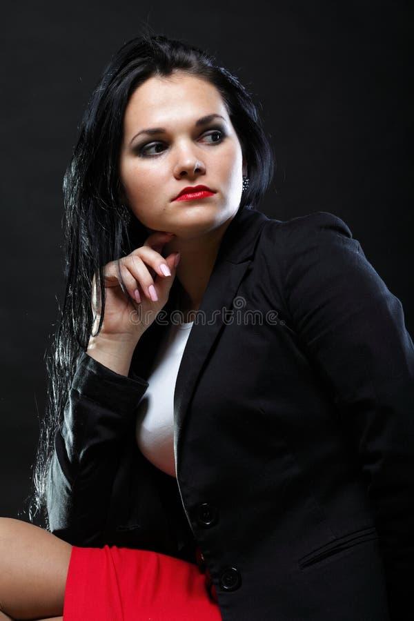 Portret van mooi jong brunette stock afbeelding