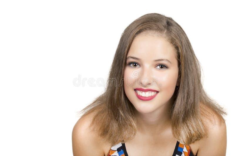 Portret van mooi jong meisje met schone huid op mooi gezicht stock foto's
