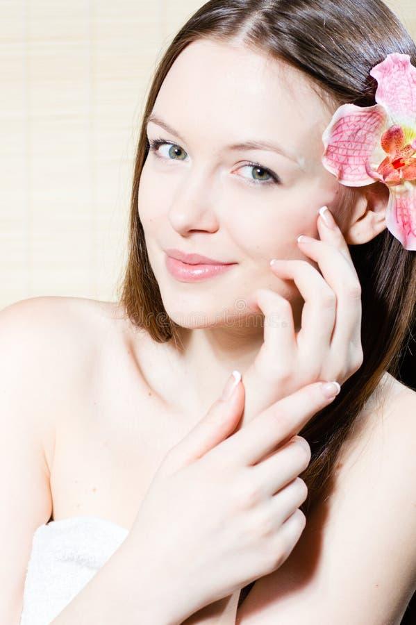 Portret van mooi jong vrouwengezicht stock afbeeldingen