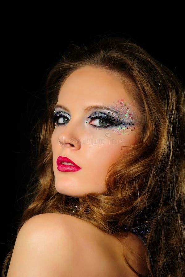 Portret van mooi meisje met de heldere make-up van de manierkunst royalty-vrije stock foto