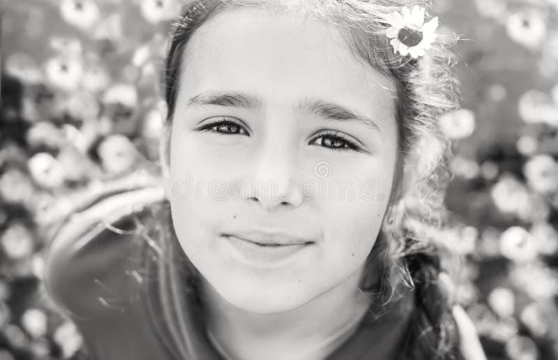 Portret van mooi tienermeisje royalty-vrije stock afbeelding