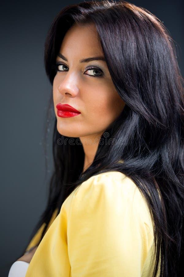 Portret van mooi vrouwelijk model royalty-vrije stock fotografie