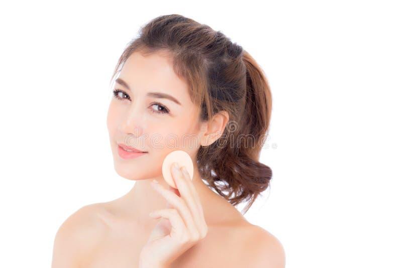 Download Portret Van Mooie Aziatische Vrouw Die Poederdonsje Toepassen Bij Wang Stock Foto - Afbeelding bestaande uit holding, aantrekkingskracht: 107704404