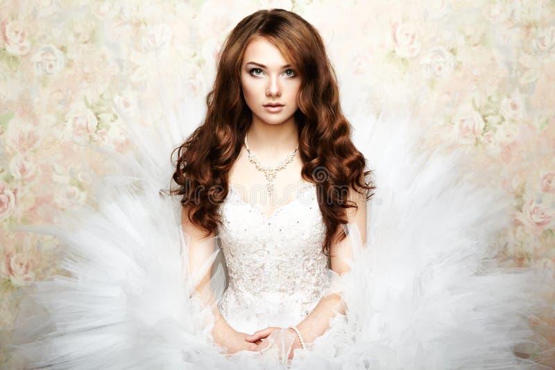 Portret van mooie bruid. Huwelijksfoto stock foto