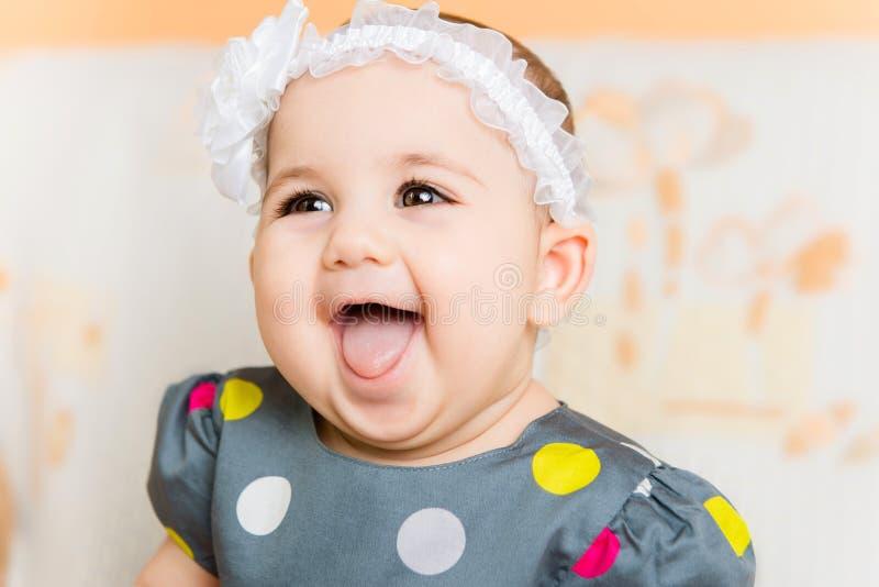 Portret van mooie gelukkige baby stock afbeeldingen