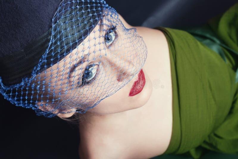 Portret van mooie jonge vrouwen in sluiers royalty-vrije stock foto's