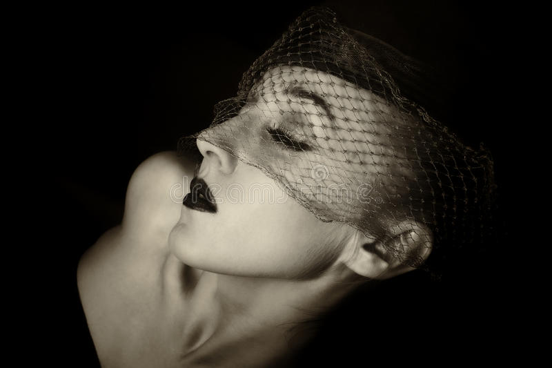 Portret van mooie jonge vrouwen in sluiers stock foto