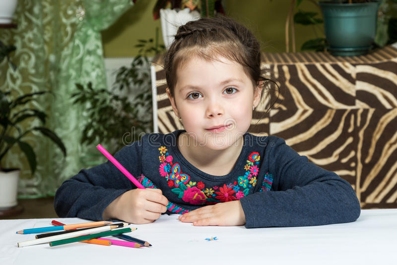 Portret van mooie meisjestekening stock foto